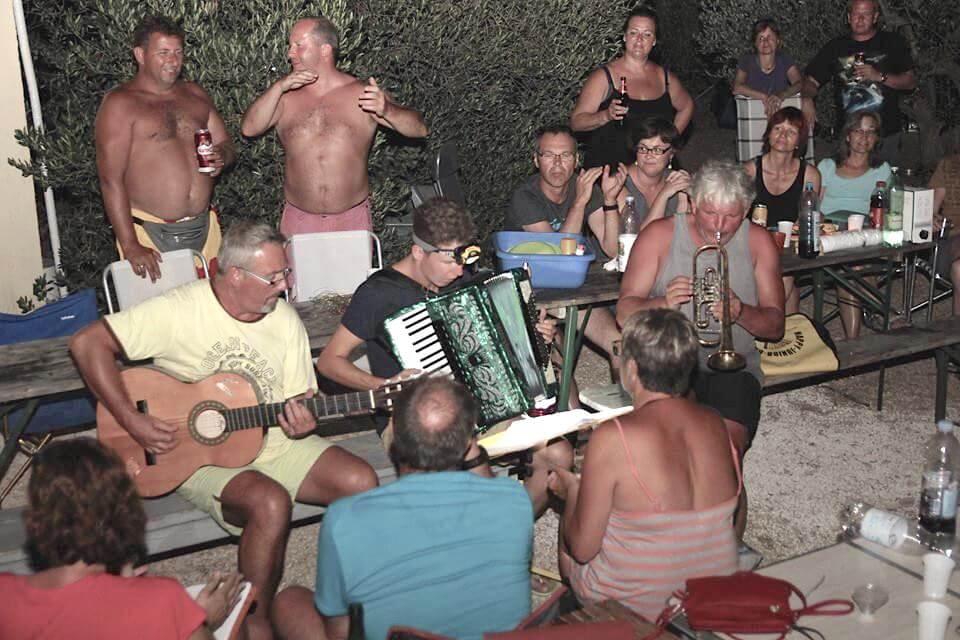 Paradiso Unterhaltung