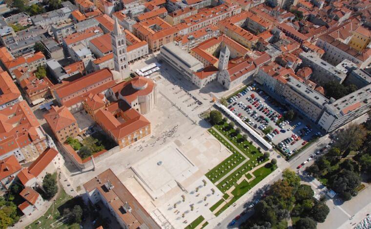 forum-zadar-stadt-marktplatz